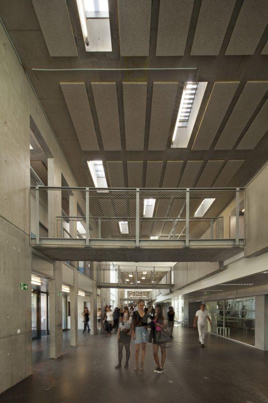 Lycee J. Perrin - Saint Cyr - Architectes : Naud & Poux